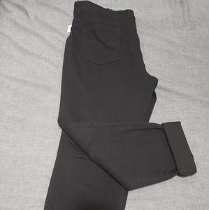 Bandolino Cropped Jean